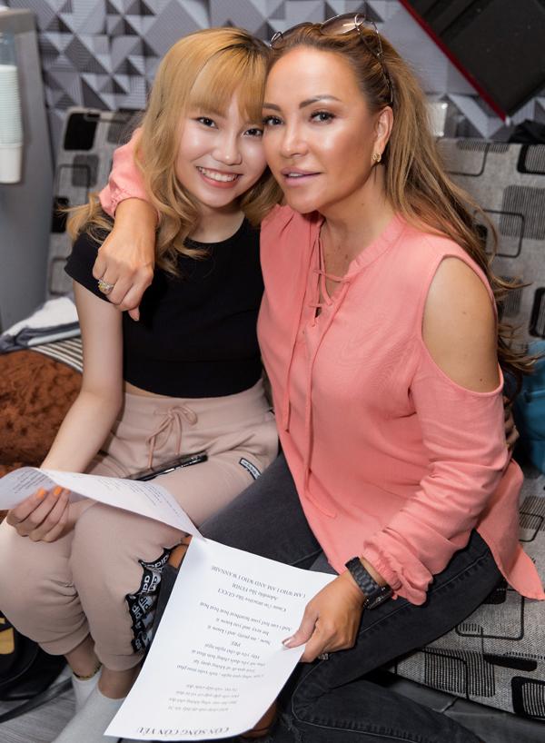Thanh Hà khen Châu Nhi chăm chỉ, nỗ lực và có nhiều tiến bộ sau thời gian ngắn bước ra từ The Voice.