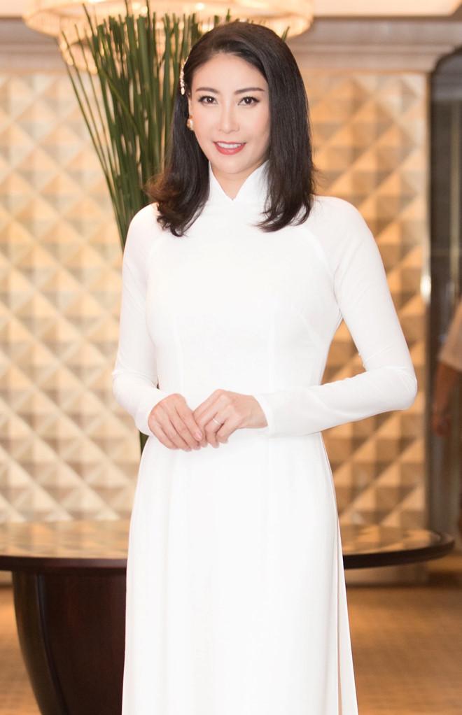 Hoa hậu Hà Kiều Anh: 'Tôi luôn luôn thương yêu con riêng của chồng' - ảnh 1