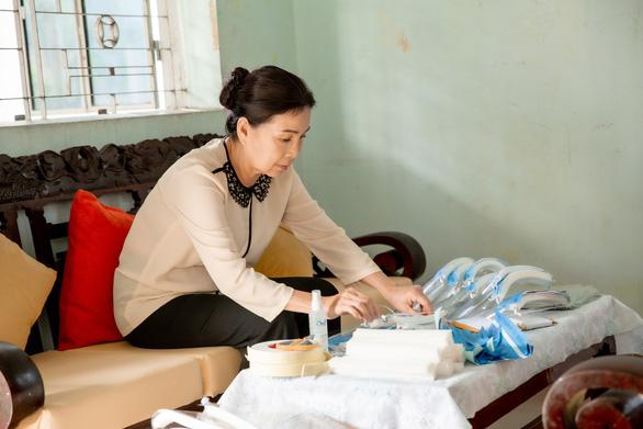 Lam Trường, Tóc Tiên, Erik ngợi ca Việt Nam tử tế - Ảnh 7.