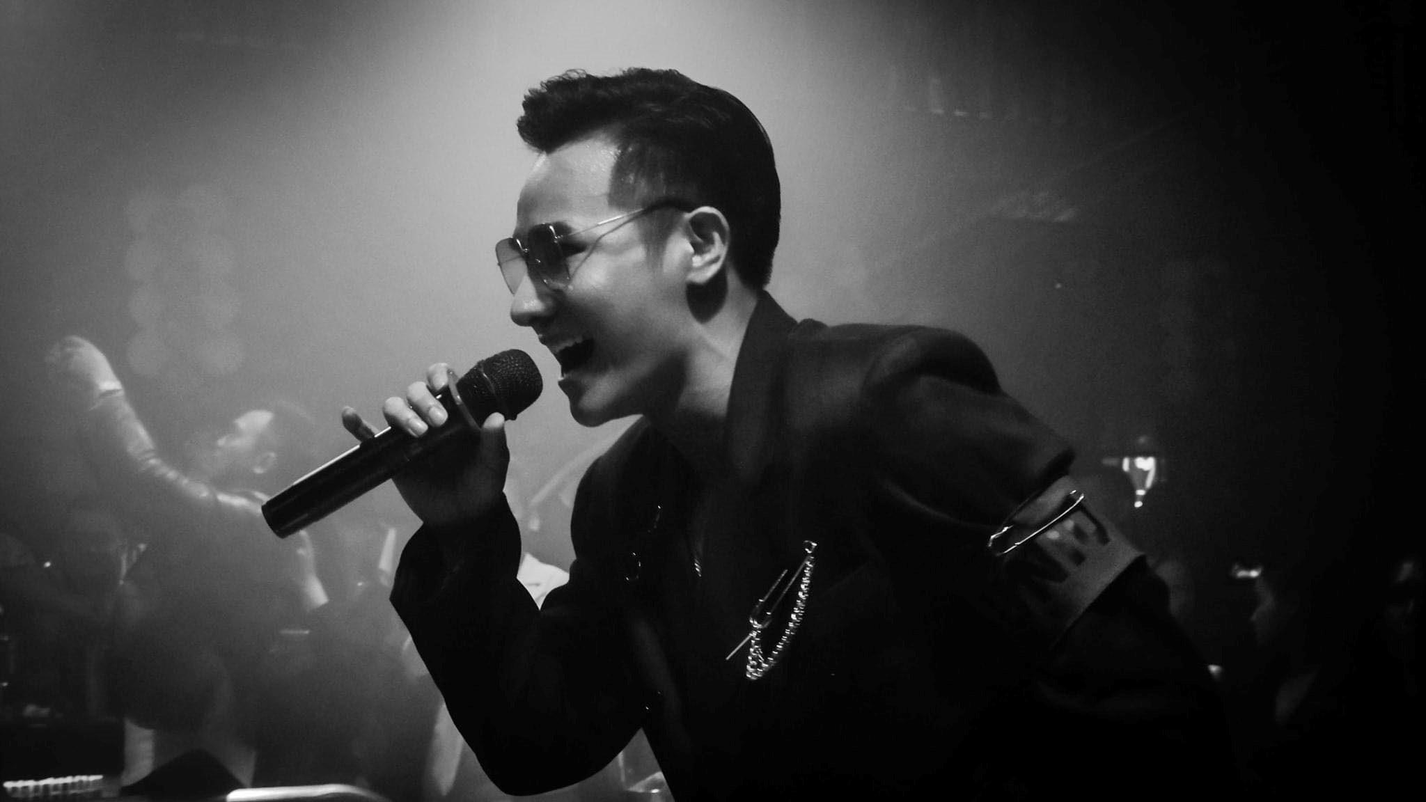 Ca sĩ Chu Bin: Đứng hát trên sân khấu bị khán giả chửi, tôi vẫn rất tôn trọng họ
