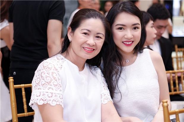 Có thể bạn chưa biết: Phía sau mỗi rich kid Việt là một chị mẹ quyền lực và giàu sụ! – Ảnh 27.
