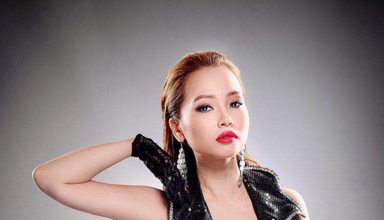 Lina Nguyễn 10