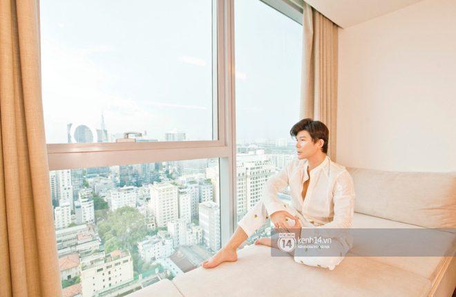 doc-quyen-he-lo-khong-gian-can-penthouse-300m2-sang-xin-cua-nathan-lee-o-trung-tam-tphcm-choang-khi-luot-den-view-phong-chill-c82-5808084